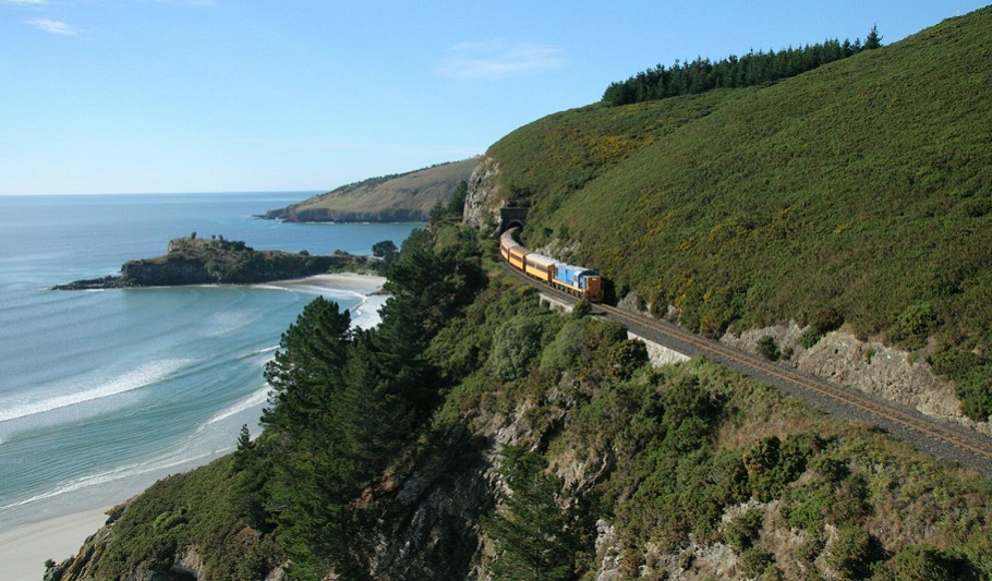 13 day Southern Parks and Scenic Trains Independent Coach