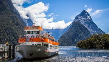 Milford Sound Day Tour and Cruise from Te Anau
