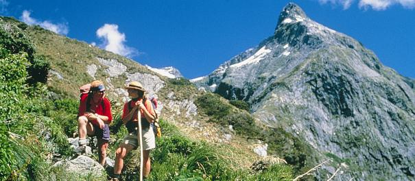 14 Day Southern Highlights Self Drive and Milford Track Guided Walk