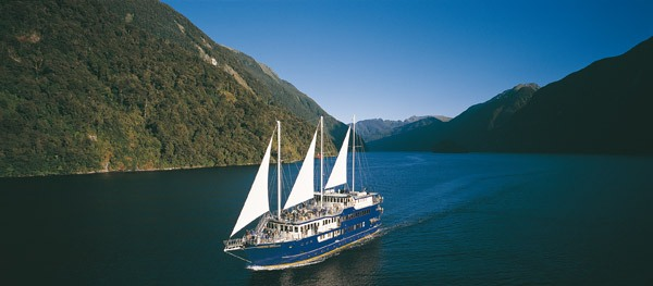 Coach, Doubtful Sound Overnight Cruise and Coach from Te Anau