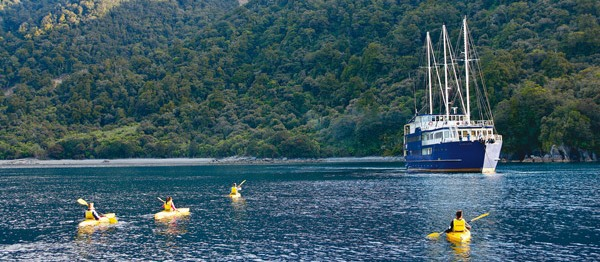 Milford Mariner Coach, Overnight Cruise and Fly Back to Queenstown