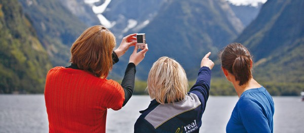 Milford Sound Coach, Nature Cruise and Coach