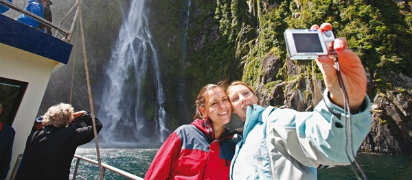 Milford Sound Coach and Nature Cruise
