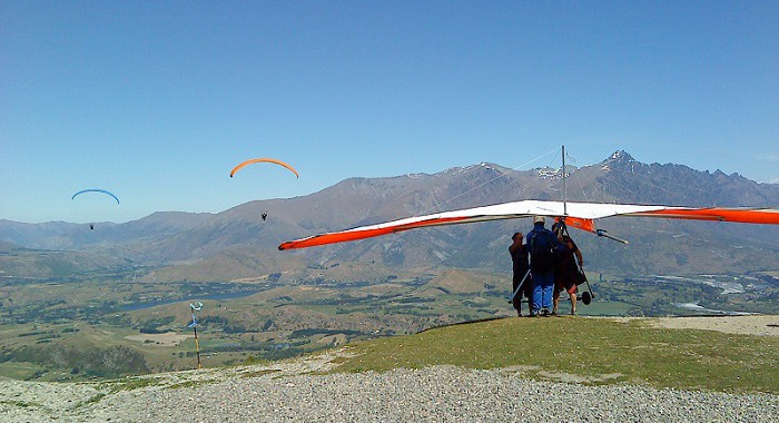 Coronet Peak Paragliding and Hang Gliding Combo