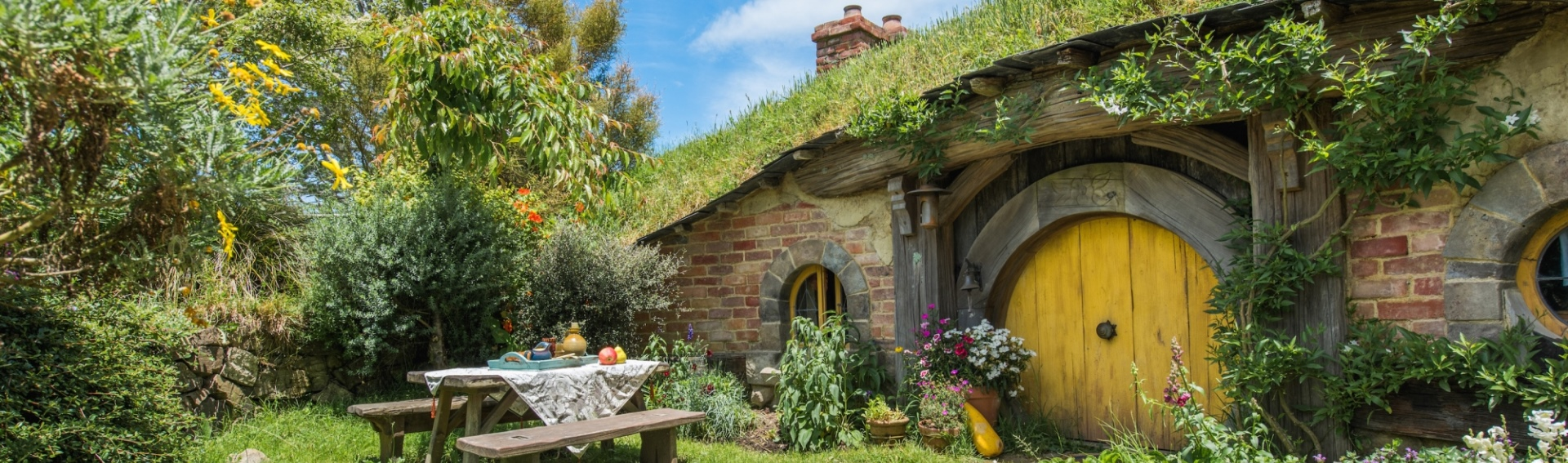 Hobbit Hole Hobbiton Movie Set Tours